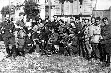 Jewish Resistance - The Partisans of Vilna Liberate their City